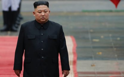 """Corea del Nord, riecco Kim: """"Contro il Covid brillante successo"""""""