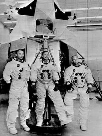 Neil A. Armstrong (c), Michael Collins (s) e Buzz Aldrin, i tre astronauti dell'Apolo 11, 19 giugno 1969. ANSA
