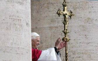 VATICAN CITY, Vatican:  Germany's Joseph Ratzinger, the new Pope Benedict XVI, appears at the window of St Peter's Basilica's main balcony after being elected the 265th pope of the Roman Catholic Church 19 April 2005 at the Vatican City. AFP PHOTO FILIPPO MONTEFORTE  (Photo credit should read FILIPPO MONTEFORTE/AFP via Getty Images)