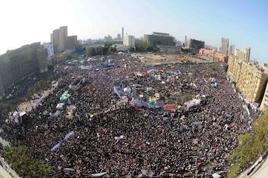 Cairo, gli Egiziani tornano in piazza Tahrir per festeggiare un anno dall'inizio della rivoluzione che ha portato l'ex Presidente Hosni Mubarak a dimettersi. Nella piazza si sono trovati tutti i differenti partiti politici anche per ricordare che la rivoluzione non è ancora finita (Cairo - 2012-01-26, Ahmed Gomaa/Upi / IPA) p.s. la foto e' utilizzabile nel rispetto del contesto in cui e' stata scattata, e senza intento diffamatorio del decoro delle persone rappresentate