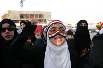 Proteste in Siria, gli scontri tra esercito e manifestanti continuano a mietere vittime a Daraa. Nella foto una protesta di siriani contro il loro governo a Amman (in Giordania)...... (Amman - 2011-04-26, UPI / IPA) p.s. la foto e' utilizzabile nel rispetto del contesto in cui e' stata scattata, e senza intento diffamatorio del decoro delle persone rappresentate