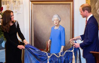 WELLINGTON, NEW ZEALAND - APRIL 10:  (NO UK SALES FOR 28 DAYS) Catherine, Duchess of Cambridge and Prince William, Duke of Cambridge unveil a portrait of Queen Elizabeth II, painted by New Zealand artist Nick Cuthell at a state reception at Government House on April 10, 2014 in Wellington, New Zealand.on April 10, 2014 in Wellington, New Zealand. The Duke and Duchess of Cambridge are on a three-week tour of Australia and New Zealand, the first official trip overseas with their son, Prince George of Cambridge.  (Photo by Pool/Samir Hussein/WireImage)