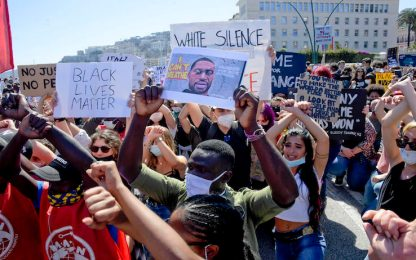 Napoli, manifestazione davanti consolato Usa per George Floyd
