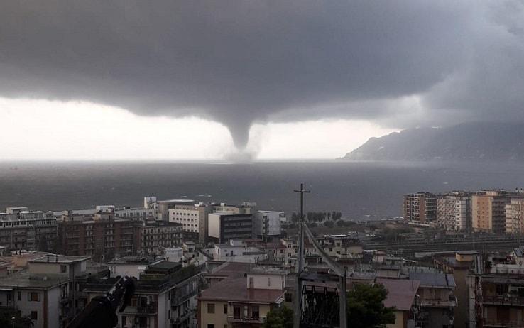 La tromba d'aria a Salerno