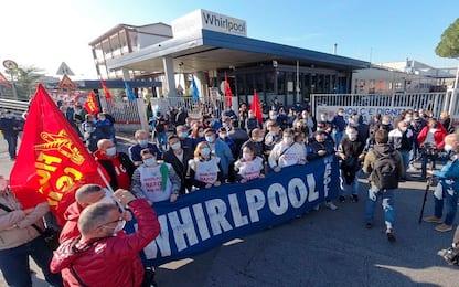 Whirlpool, operari arrivati in sede Consiglio al Centro Direzionale