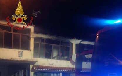 Incendio in abitazione a Castel Volturno: un morto, salve due persone