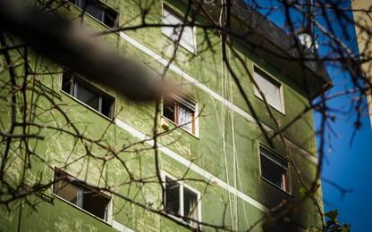 Napoli, incendio in un appartamento a Fuorigrotta: due morti