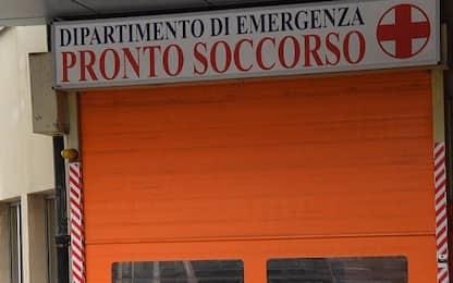 Catania, bimbo precipita in un pozzetto Enel dopo cedimento: ferito