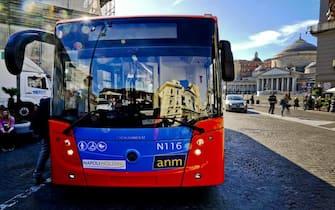 Un autobus di linea a Napoli