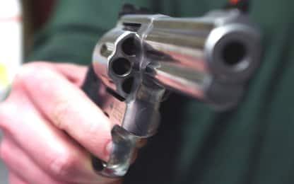 Ragazzo di 20 anni ferito da colpo di pistola nel Napoletano: è grave