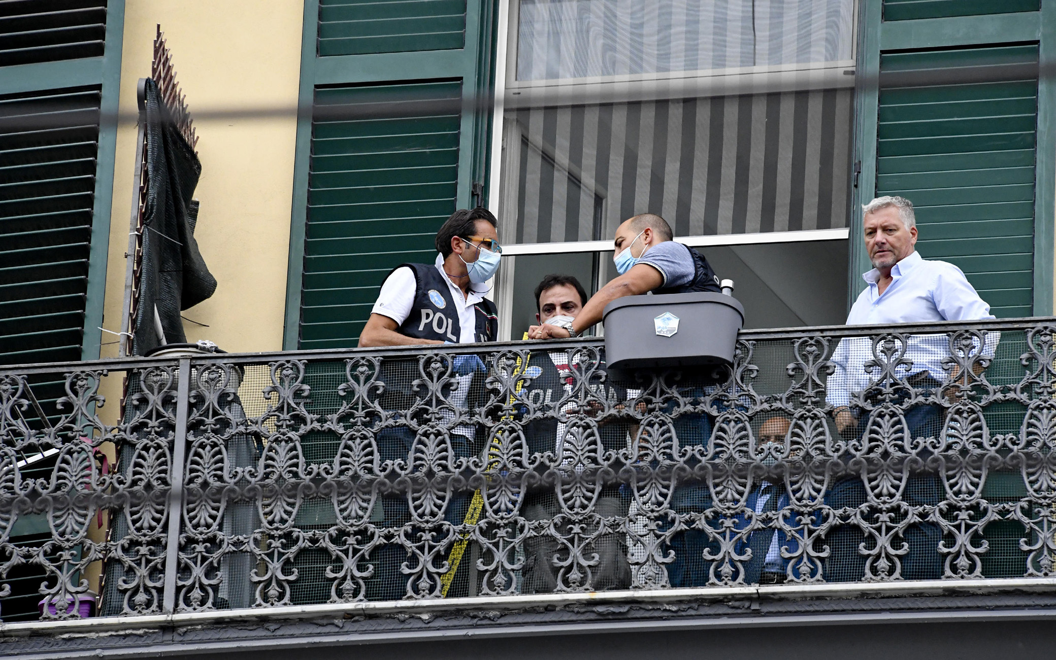 Le indagini sull'omicidio del bimbo morto a Napoli
