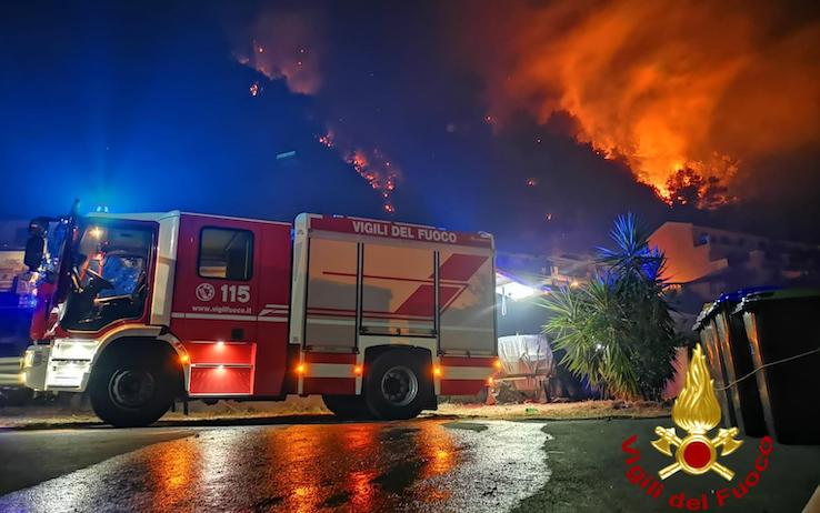 L'incendio nel Messinese