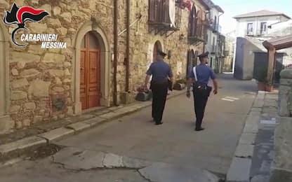 Floresta, rapinano parente 93enne e minacciano di bruciarlo: arrestati