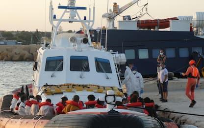 Lampedusa, Conte a Musumeci: misure ad hoc per l'isola