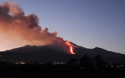 Etna in eruzione, chiuso l'aeroporto di Catania
