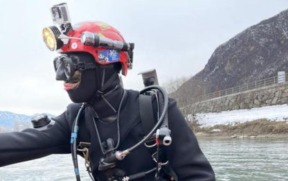 Finisce nel Lago di Como dopo manovra sbagliata in auto: morta 70enne