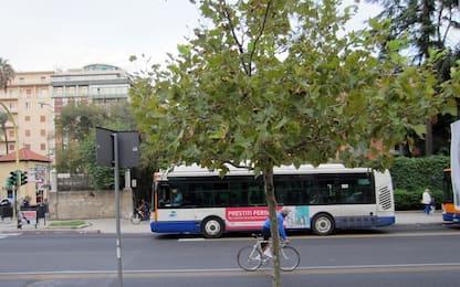 Palermo, lancio di pietre contro un autobus dell'Amat