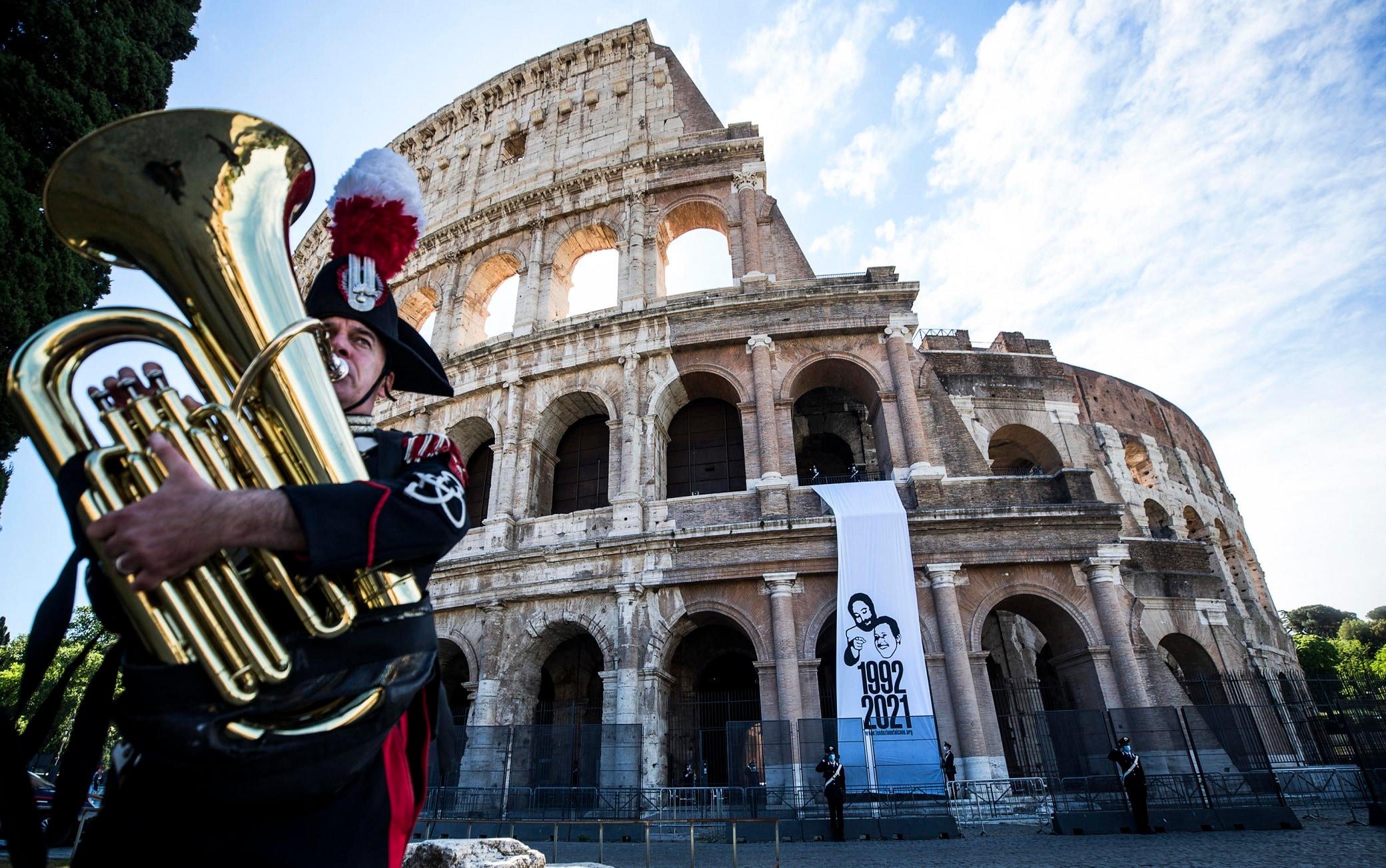 La cerimonia a Roma