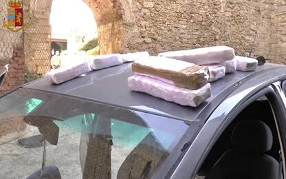 Trapani, sorpresi con 10 chili di hashish in auto: arrestati