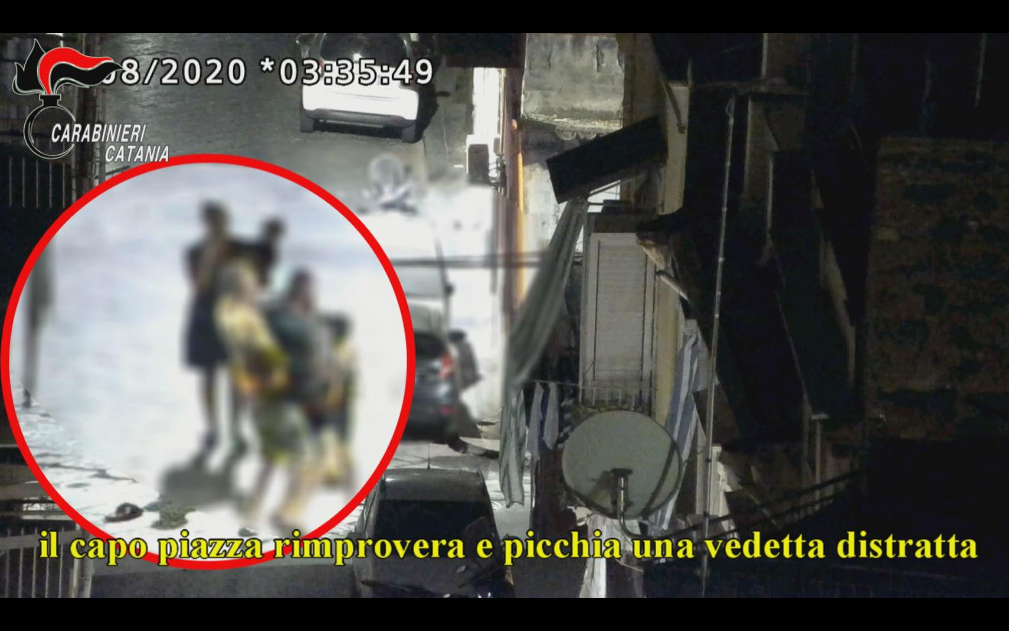 Un fermo immagine tratto da un video dei carabinieri di Catania, 8 giugno 2021: Anche le donne avevano un ruolo nella 'piazza di spaccio' dello storico rione San Cristoforo di Catania sgominata dai carabinieri con i 25 arresti eseguiti nell'ambito dell'operazione Piombai. Tra le indagate ci sono anche la moglie e la cognata del 'capo piazza', che, secondo l'accusa, gestivano i guadagni, occultando il denaro incassato, e affiancavano e talvolta sostituivano gli uomini della famiglia nel controllo e nell'organizzazione delle attività, non curandosi affatto, in alcuni frangenti, della presenza dei figlioletti in tenera età.ANSA/CARABINIERI EDITORIAL USE ONLY NO SALES