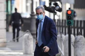 Maurizio Gasparri arriva a palazzo Madama per la seduta del Senato in cui si voterà la sfiducia individuale al ministro della Giustizia Alfonso Boanfede, Roma 20 maggio 2020. ANSA/ALESSANDRO DI MEO