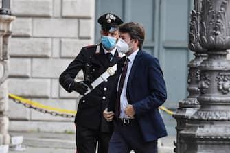 Il ministro Dario Franceschini arriva a palazzo Madama per la seduta del Senato in cui si voterà la sfiducia individuale al ministro della Giustizia Alfonso Boanfede, Roma 20 maggio 2020. ANSA/ALESSANDRO DI MEO