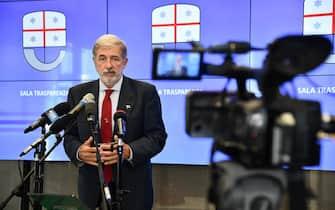 Il sindaco di Genova Marco Bucci durante una conferenza stampa sulla situazione delle autostrade liguri. Genova, 29 Giugno 2020. ANSA/LUCA ZENNARO
