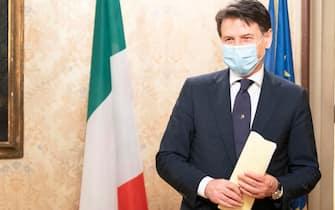 Il presidente del Consiglio Giuseppe Conte a Palazzo Chigi nel primo giorno della Fase 2 dell'emergenza Coronavirus, Roma, 4 maggio 2020. ANSA/FILIPPO ATTILI UFFICIO STAMPA PALAZZO CHIGI ++ NO SALES EDITORIAL USE ONLY ++