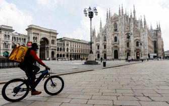 La cattedrale del Duomo riaprira' per le celebrazioni religiose dal 18 maggio durante la fase 2 dell'emergenza Coronavirus a Milano, 14 maggio 2020.ANSA/Mourad Balti Touati