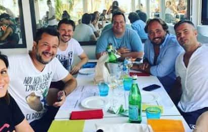 Salvini torna al Papeete un anno dopo: ecco cos'è cambiato. FOTO