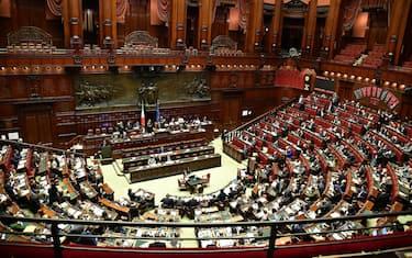 Una panoramica dell'aula di Montecitorio durante la discussione sulla proposta di legge costituzionale in materia di referendum, Roma, 21 febbraio 2019. ANSA/ETTORE FERRARI