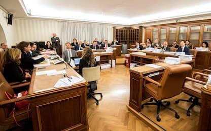 Presidenze Commissioni Senato, maggioranza battuta due volte