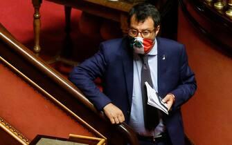 Il leader della Lega, Matteo Salvini, nell'aula del Senato durante il voto sullo scostamento di bilancio, Roma, 29 luglio 2020. ANSA/FABIO FRUSTACI