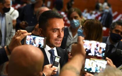 Di Maio: negazionisti del Covid rispettino le famiglie dei morti