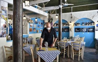 Apertura di bar, ristoranti e gelaterie Take Away a Torino, 9 Maggio 2020 ANSA/ ALESSANDRO DI MARCO