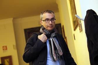 Lello Ciampolillo in Senato durante la riunione del Gruppo M5S sulla espulsione dei senatori dissidenti, Roma, 26 febbraio 2014. ANSA/ GIUSEPPE LAMI