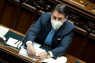 Crisi di governo, l'intervento di Conte alla Camera. DIRETTA