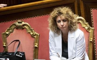 Il ministro per il Sud, Barbara Lezzi, durante la discussione al Senato del disegno di legge per la riduzione del numero dei parlamentari, Roma, 11 luglio 2019. ANSA/CLAUDIO PERI