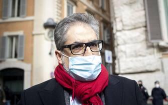 Pino Cabras del movimento 5 stelle arriva a Montecitorio a Roma, 16 febbraio 2021.ANSA/MASSIMO PERCOSSI