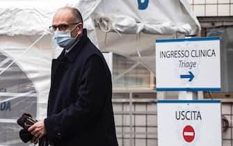 L'ex presidente del Consiglio Enrico Letta durante la camera ardente dellÕex presidente del Senato Franco Marini presso la clinica Villa Mafalda, Roma, 10 febbraio 2021. ANSA/ANGELO CARCONI