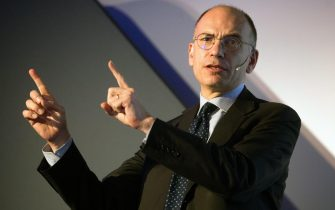 epa06694422 Italian former Prime Minister Enrico Letta participates during the conference: 'Que cambios necesita la UE para avivar el movimiento europeista?' (lit. What changes does the EU need to stoke the pro-European movement?) held at General Assembly of the Association of high-consumption companies (AECOC) in Barcelona, Catalonia, Spain, 26 April 2018.  EPA/Enric Fontcuberta