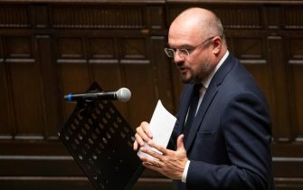 La dichiarazione di voto di Enrico Borghi alla fiducia chiesta dal governo sul dl agosto a Montecitorio, Roma 12 ottobre 2020.     ANSA/MAURIZIO BRAMBATTI