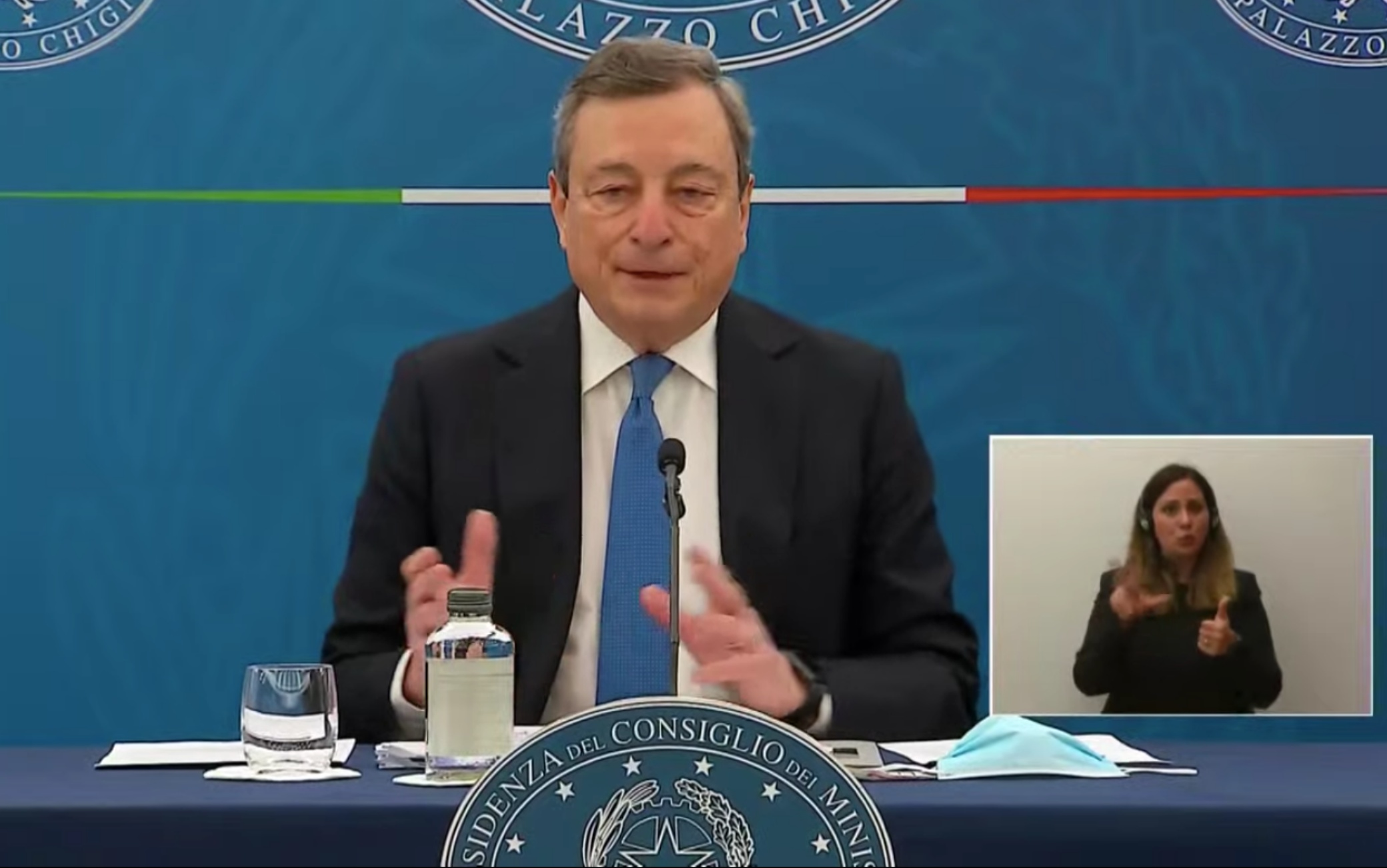 La conferenza stampa di Draghi sulle riaperture dal 26 aprile