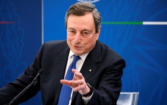 Il presidente del Consiglio Mario Draghi durante una conferenza