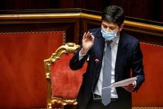 Roberto Speranza, ministro della salute, durante la discussione sulle mozioni di sfiducia presentate nei suoi confronti dalle opposizioni, Senato, Roma 28 Aprile 2021. ANSA / FABIO FRUSTACI