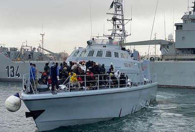 Migranti, si teme aumento flusso. Lamorgese chiede redistribuzione