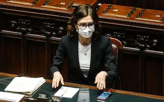 Maria Stella Gelmini, ministro per gli affari regionali, durante le dichiarazioni di voto sul DEF 2021 (documento di economia e finanza), nell aula della Camera, Roma 22 aprile 2021. ANSA/FABIO FRUSTACI