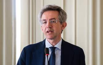 L ex ministro Gaetano Manfredi, presenta la sua candidatura a sindaco di Napoli, al Circolo Artistico Politecnico, Napoli, 7 Giugno 2021  ANSA/CESARE ABBATE/