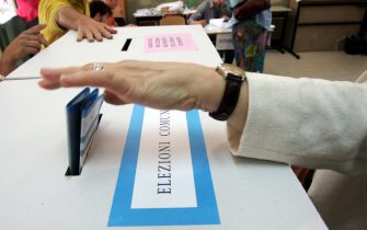 Una urna alle elezioni comunali