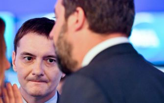 Luca Morisi ascolta Matteo Salvini